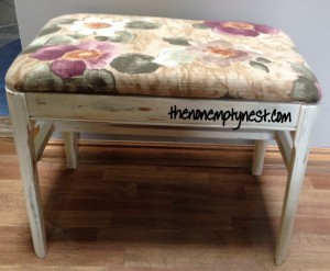 Shabby vanity bench- After