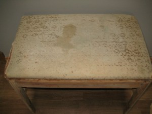 Shabby vanity bench seat- Before